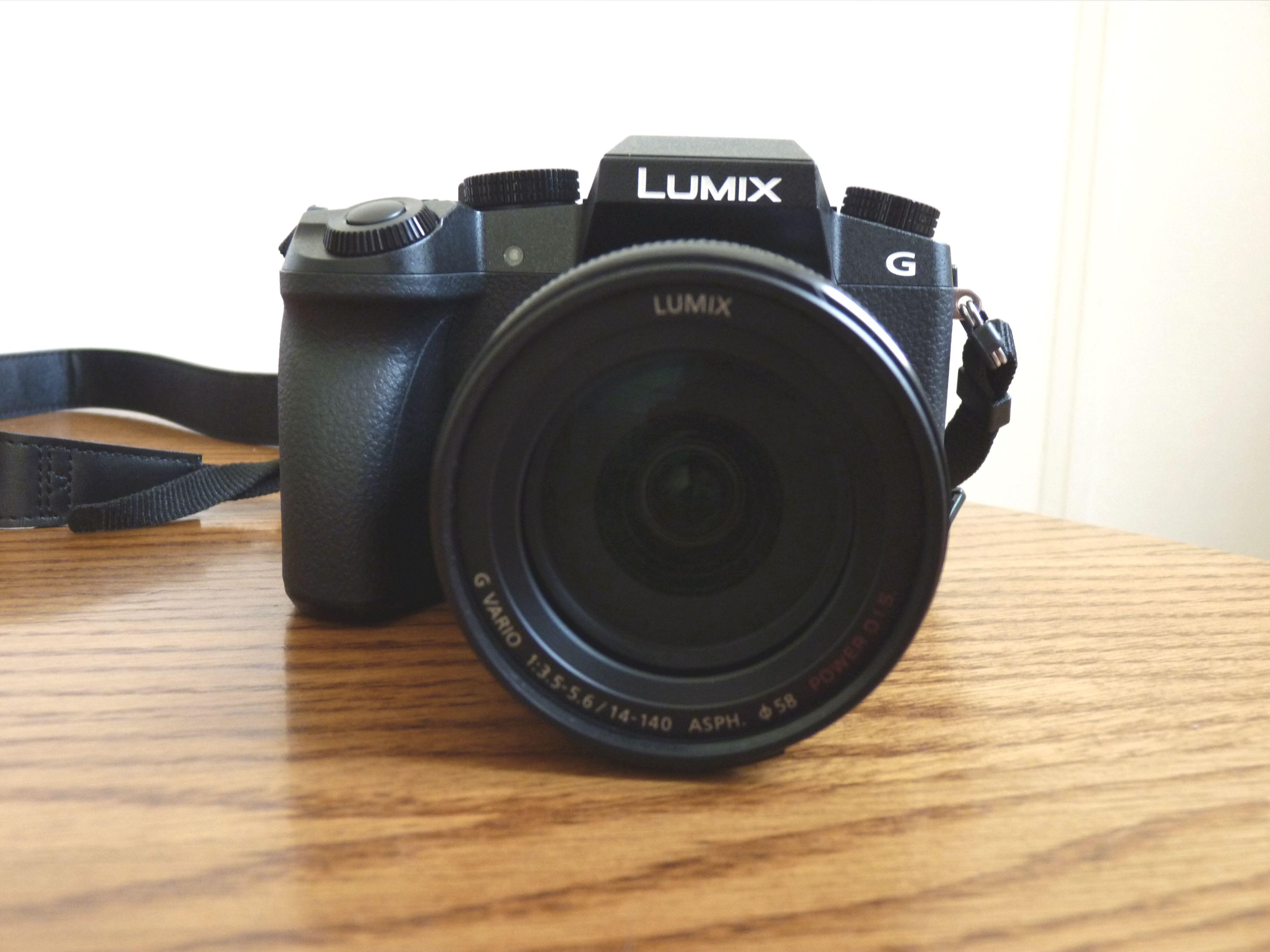 Panasonic Lumix DMC-G7 vu de face
